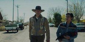 Клинт Иствуд вывозит мальчика из Мексики в трейлере «Мужских слез»