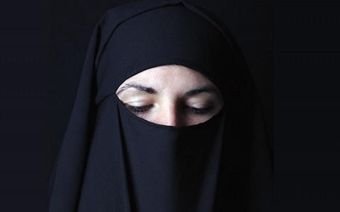 «Поздравляем, ты стала мусульманкой»: как принять ислам по скайпу