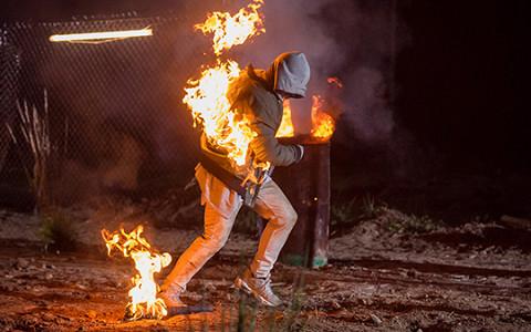 Премьера клипа Лигалайза «Карма»: огонь, зомби и русский рэп