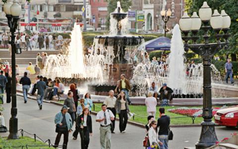 Офисы под землей, белки в Александровском саду и другие городские новости