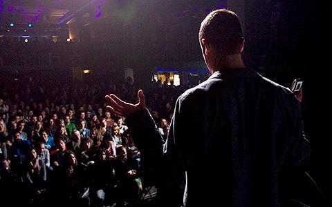 Science Slam в Москве: зачем читать научные лекции в барах
