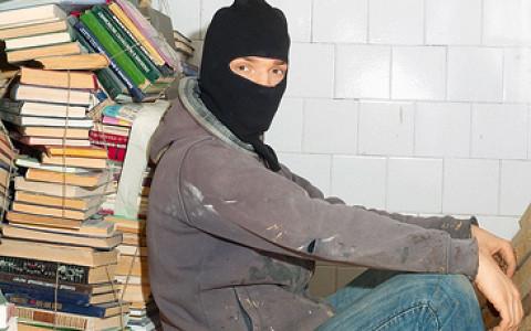 Уличный художник Тимофей Радя о реальности искусства и абсурдности политики