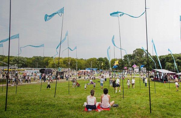 Планы на выходные: Пикник «Афиши», спектакли в Царицыно и выставка флоксов в «Аптекарском огороде»