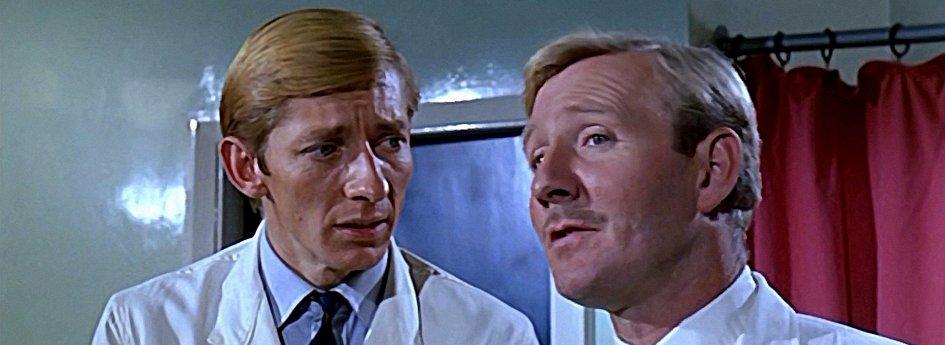 Кино: «Доктор и его медсестры»
