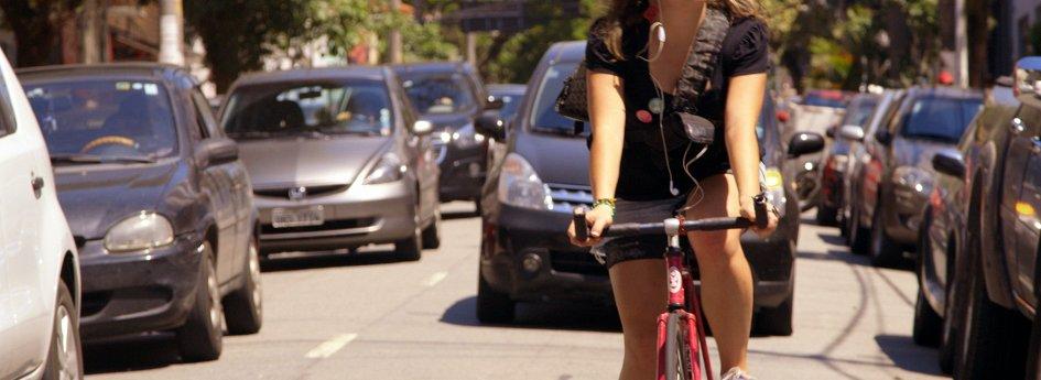Кино: «Вело против авто»