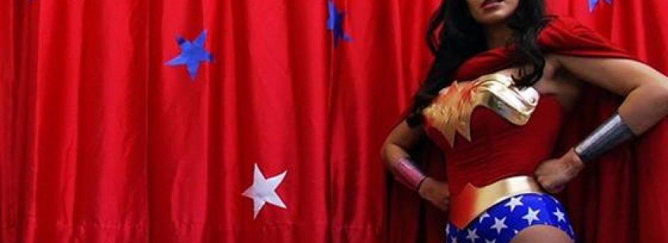 Кино: «Суперженщины! Неизвестная история американских супергероинь»