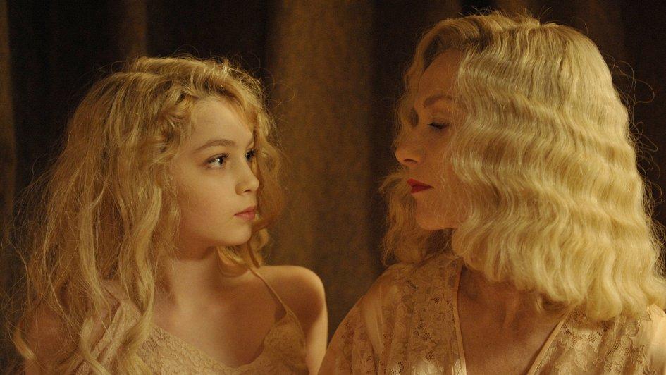 Плейбой фильмы показывать все прелести смотреть, транссексуалка