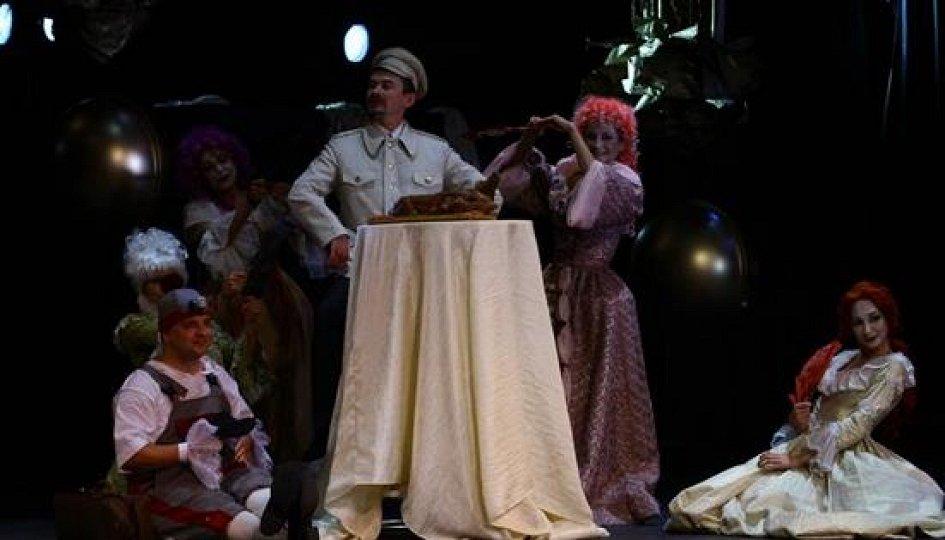 Театр: Кабала святош