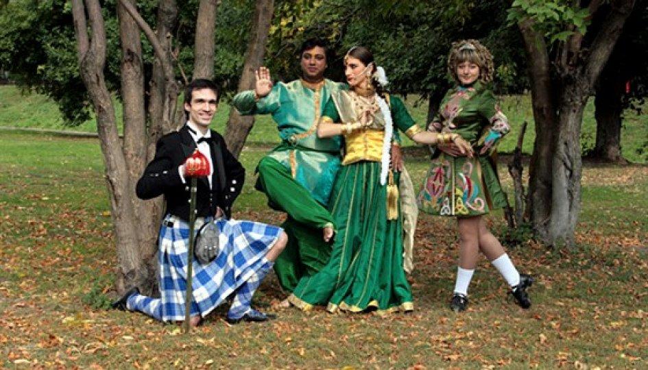 Театр: От индийских храмов до шотландских гор