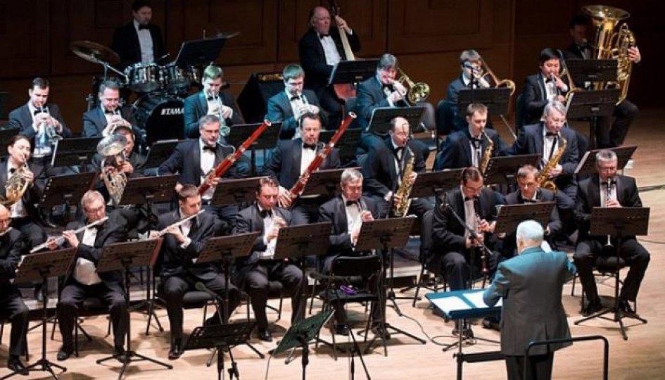 Концерты: «Хит-парад»: Духовой оркестр