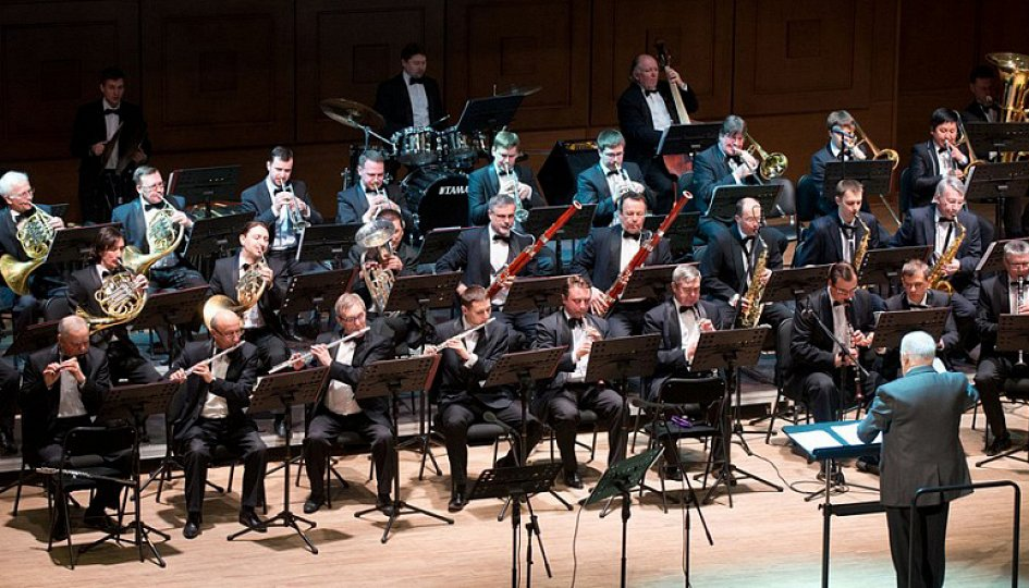 Концерты: Концертный духовой оркестр. Дирижер Марк Абрамов