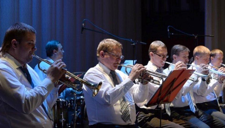 Концерты: «Новогоднее конфетти»: Уральский духовой оркестр