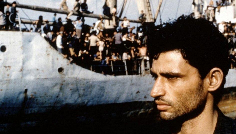 Кино: «Ламерика»