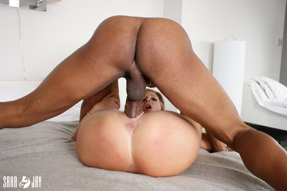 Ebony can't take the dick