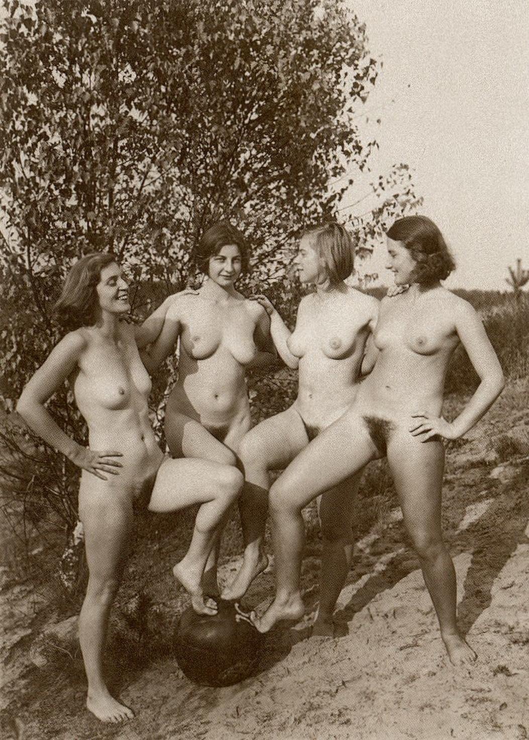 тем недостает ххх фото нацистов на пляжах правое ухо шептали
