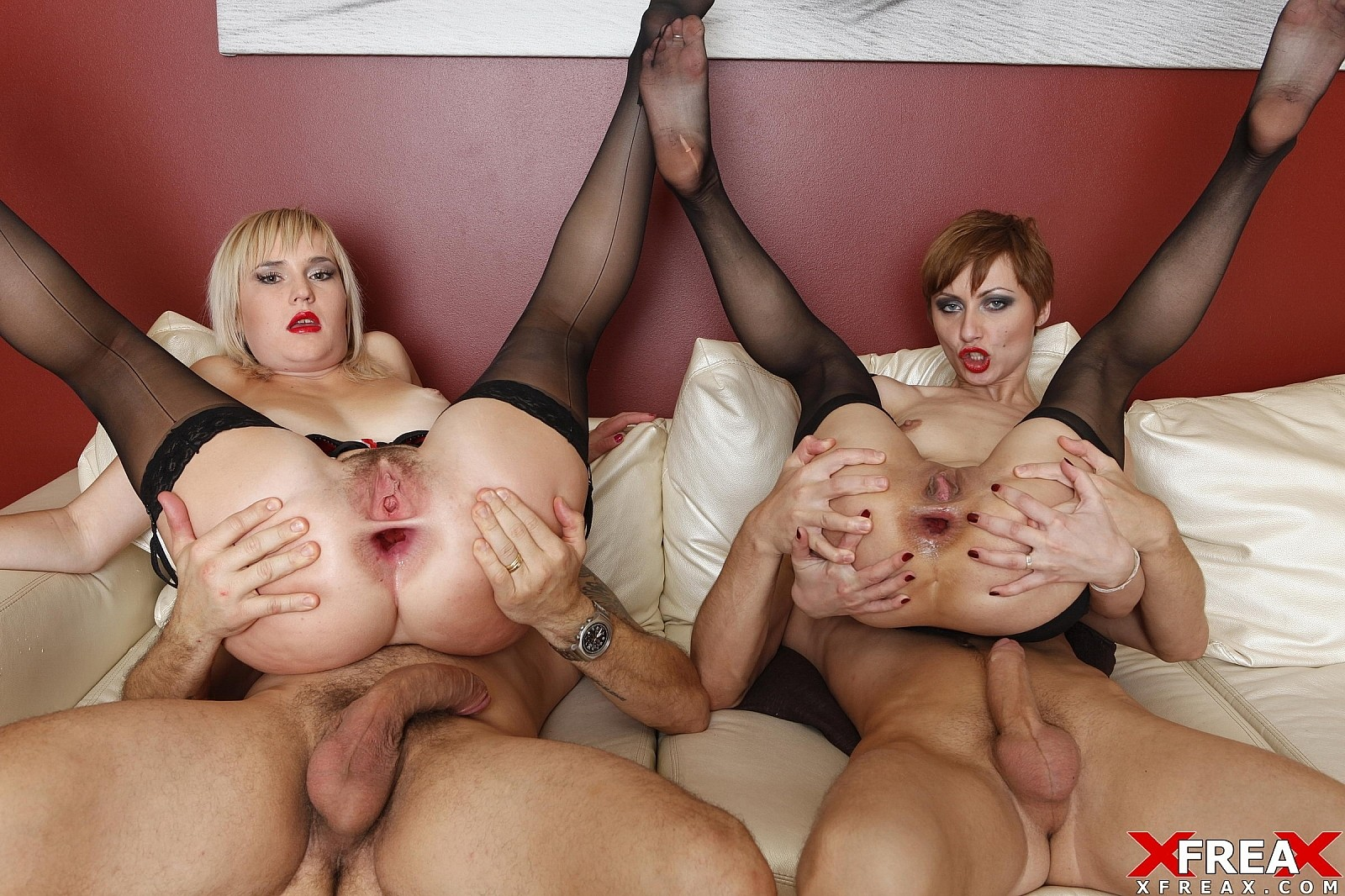 Hubby watches wife give blow job