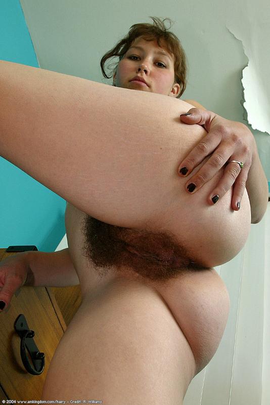 Redhead tight lips nude
