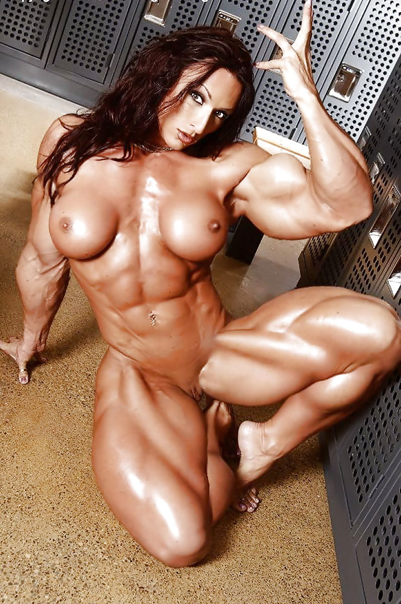 Defined abs pornstar female — pic 9