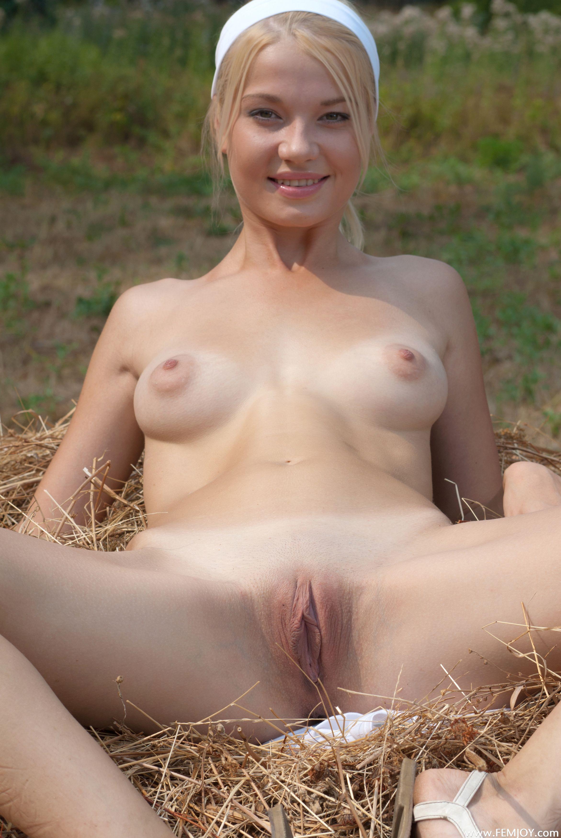 Бесплатно голые женщины ✌➤ Смотреть