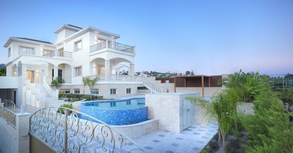 Недвижимость в Хиос на берегу моря недорого
