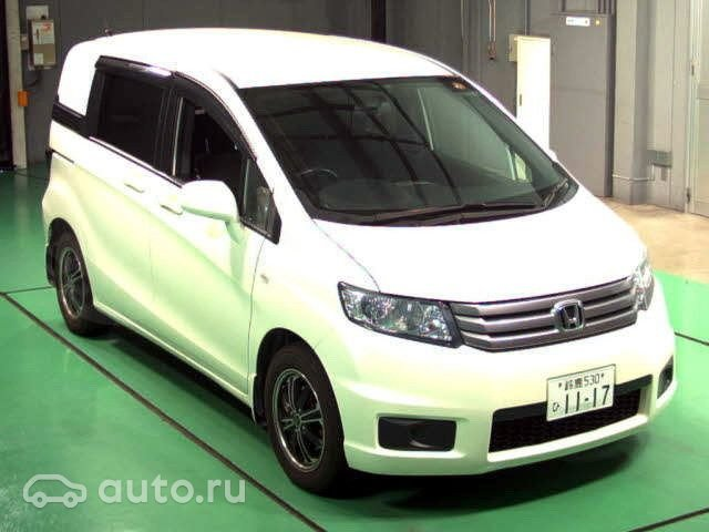 Обзор Honda Freed Hybrid и Honda Freed Spike