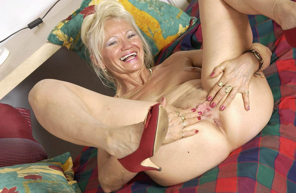Mature sex women solo