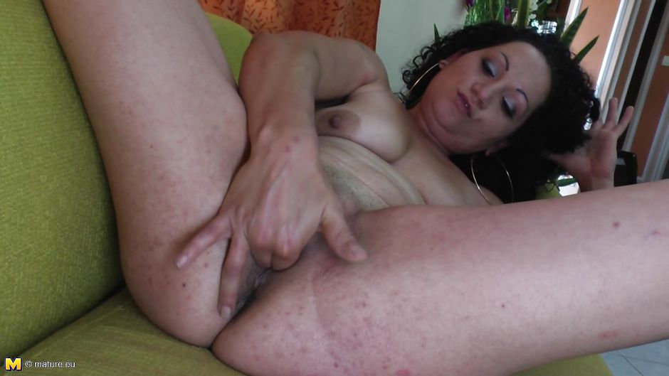 Amateur homemade tug job videos