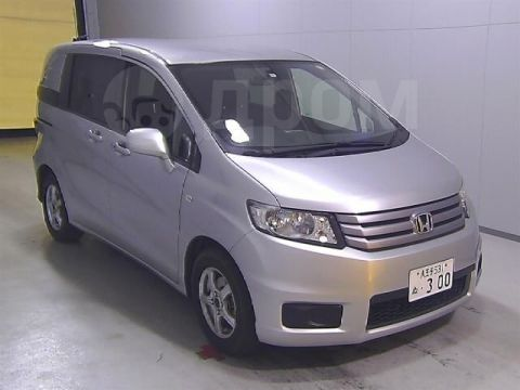 Продажа Honda Freed Spike (Хонда Фрид Спайк)