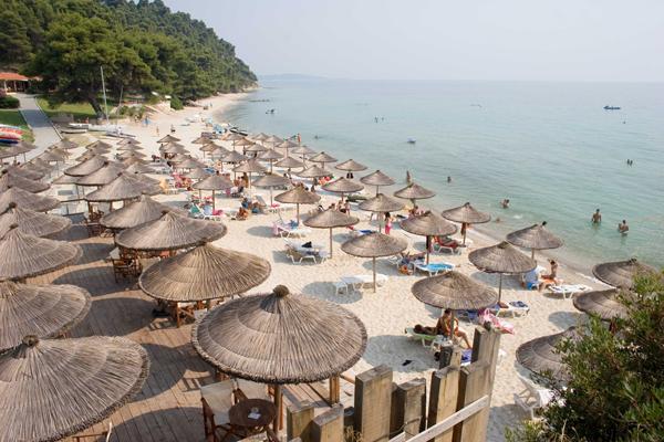 Отель в остров Элани у моря и гор