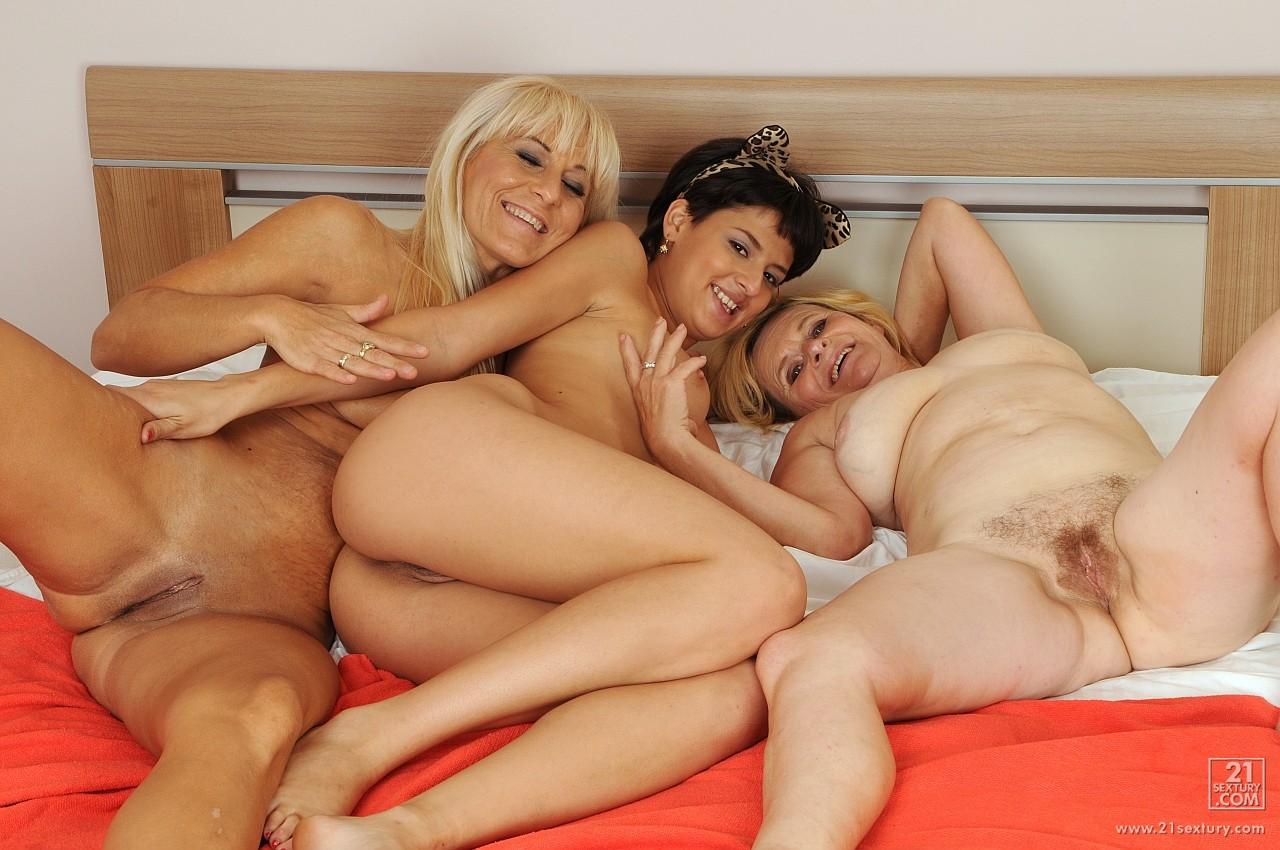 Порно старая лесби