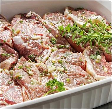 Рецепт Баранина, маринованная счесноком иорегано