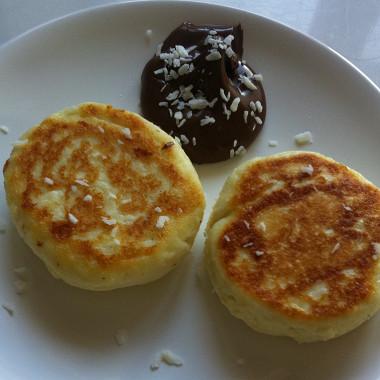 Рецепт Печеные ванильные сырники сшоколадным соусом