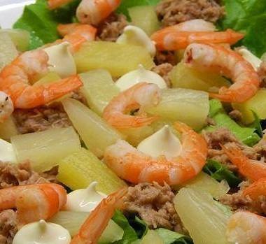 Рецепт Салат изтунца сананасами икреветками