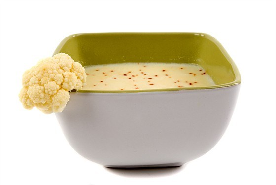 Суп-пюре из цветной капусты на костном бульоне