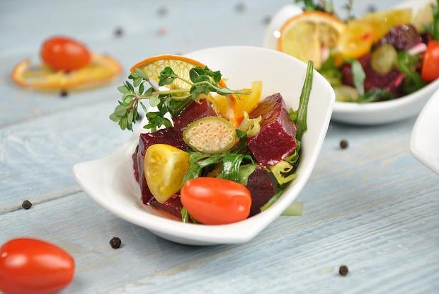Салат из запеченой свеклы