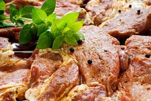 Медово-чесночный маринад для свинины