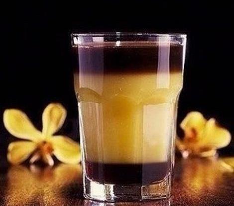 Безалкогольный коктейль «Шмель»