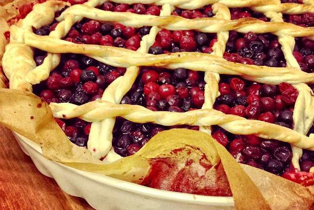 Пирог из брусники слоеное тесто — pic 3