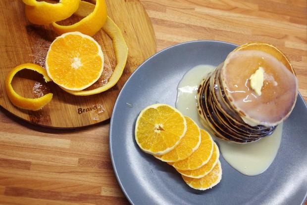 Апельсиновые панкейки с корицей