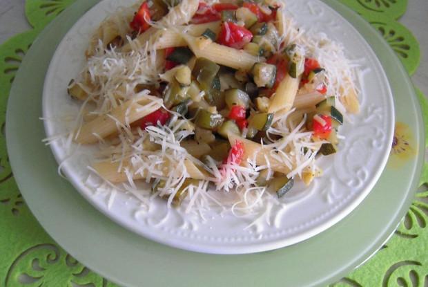 Пенне с овощным рагу