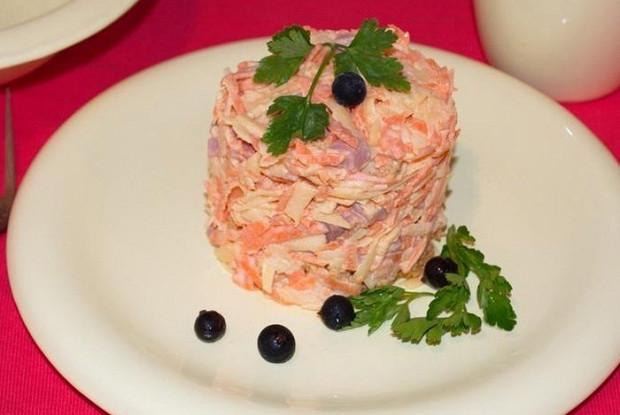 Салат с сыром и ветчиной «Николь»
