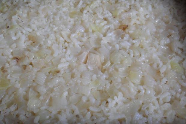 Рис с луком по-болгарски