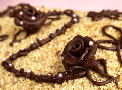 Быстрый ореховый торт без выпечки