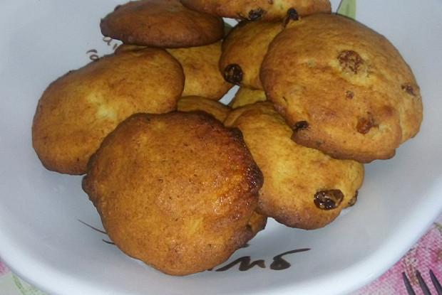 Печенье творожное с изюмом