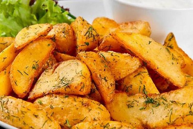 Картофель по-деревенски (предварительно обваренный)