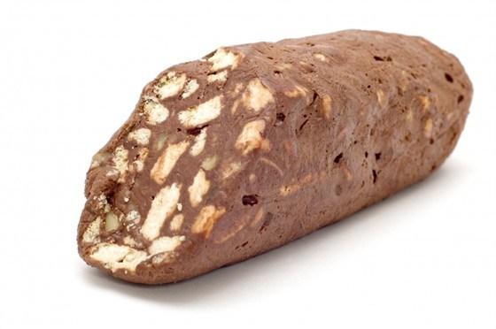 Шоколадная колбаса с грецкими орехами и коньяком