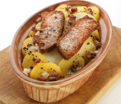 Картофель со шпигом