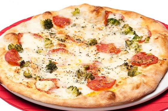 Пицца с капустой брокколи