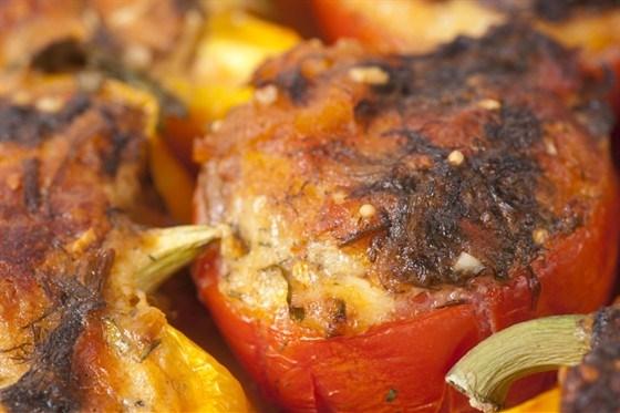 Фаршированные помидоры с мясом и сыром