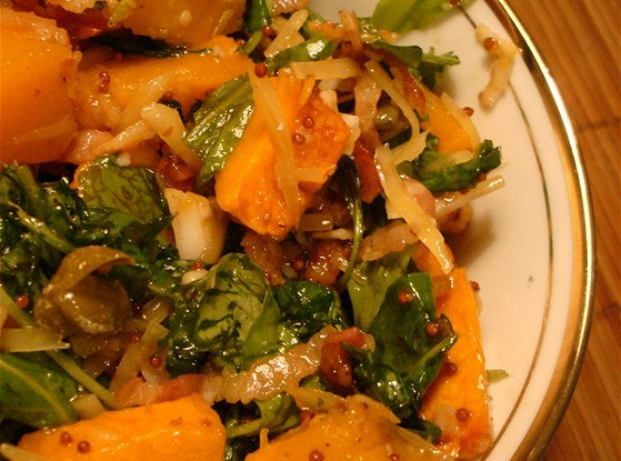 Салат из тыквы с рукколой и беконом